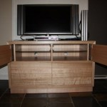 studiohip-damienhipwell-custom-tv-av-unit-solid-timber-eco-friendly-001-bg